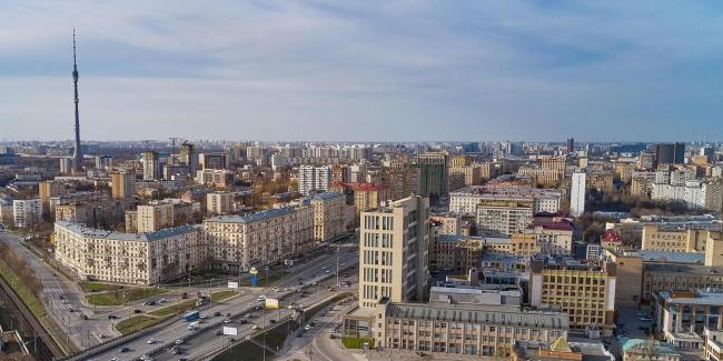 Собянин сообщил, что в Москве продолжают снимать ограничения, введенные из-за пандемии COVID-19