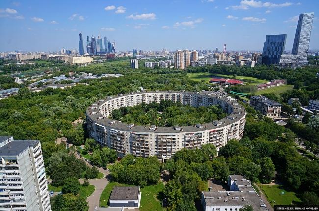 В топе самых оригинальных построек столицы – два круглых дома в ЗАО