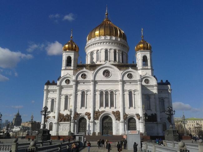 Мощи святых покровителей брака Петра и Февронии привезут в Москву