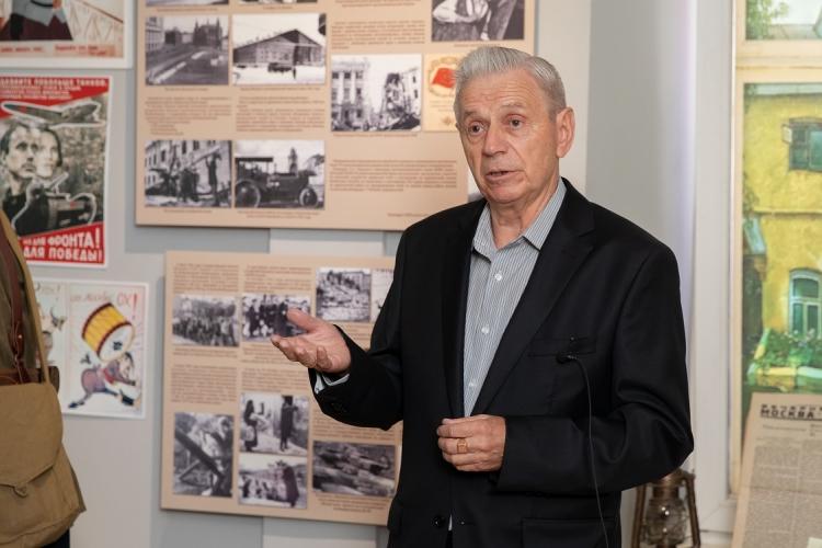 Пожарные и спасатели Москвы отметили 83 годовщину создания МПВО