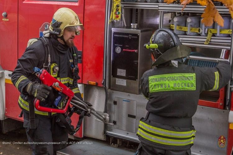 Два человека спасено огнеборцами за прошедшие сутки в ЗАО