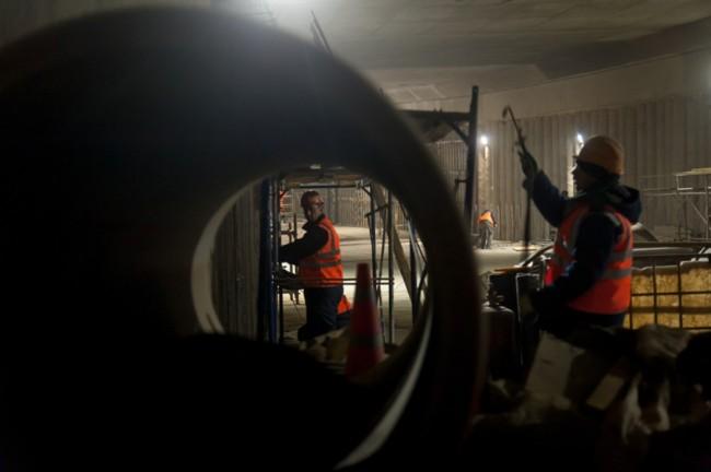 Строители завершили монтаж основных конструкций тоннеля наразвязке Аминьевского шоссе