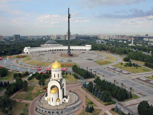 НаПоклонной горе открыли памятник «Подорогам войны»