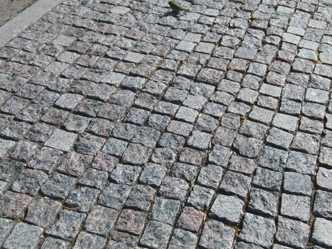 Участки исторической брусчатки будут сохранены нанескольких дорогах вцентре столицы