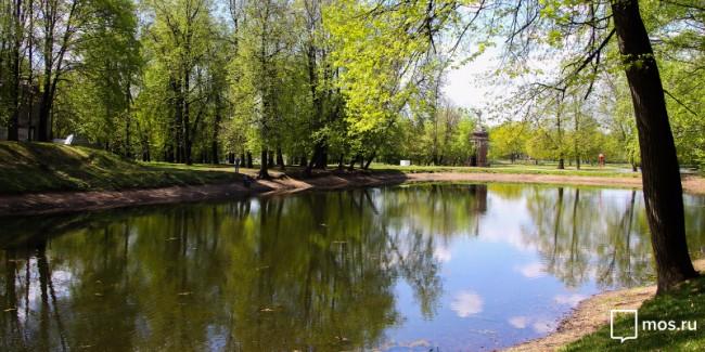 Собянин открыл после благоустройства парк «Усадьба Михалково» в столице России