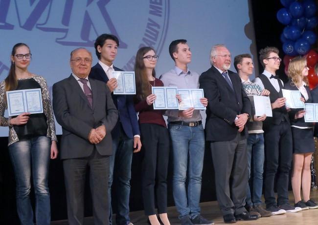 Школьница Зябликова стала призером олимпиады поанглийскому языку